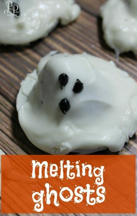 25 of the Best Halloween Treat Recipes for Kids and Adults - perfect for any Halloween partye!