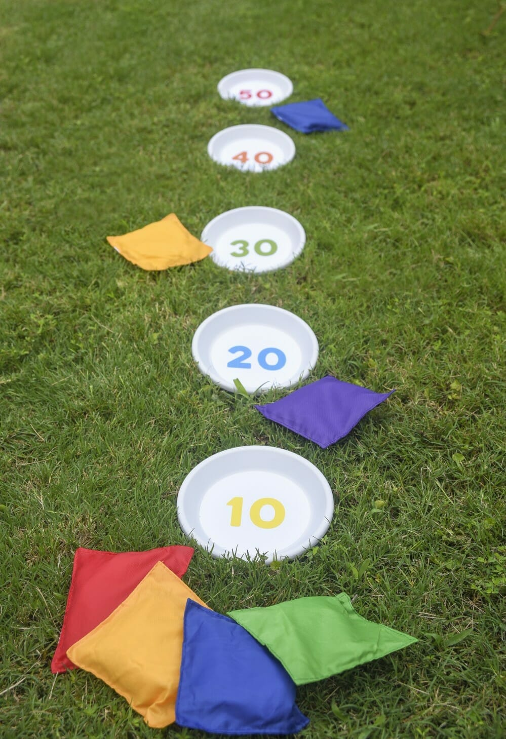 summer bean bag toss lawn game